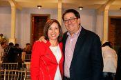 Yolanda Vela Florez, directora del Dpto. de Recursos Humanos y Rafael Santos Calder&oacuten, rector de la UC
