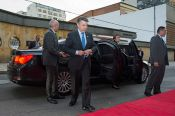Juan Manuel Santos ingresa al Faenza-Teatro de la Paz